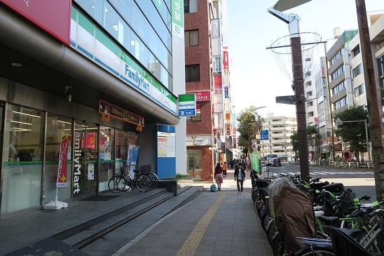 ファミリーマート 横撮り.JPG